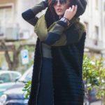 Gilet di pelliccia con cappuccio e abito in lana rasata