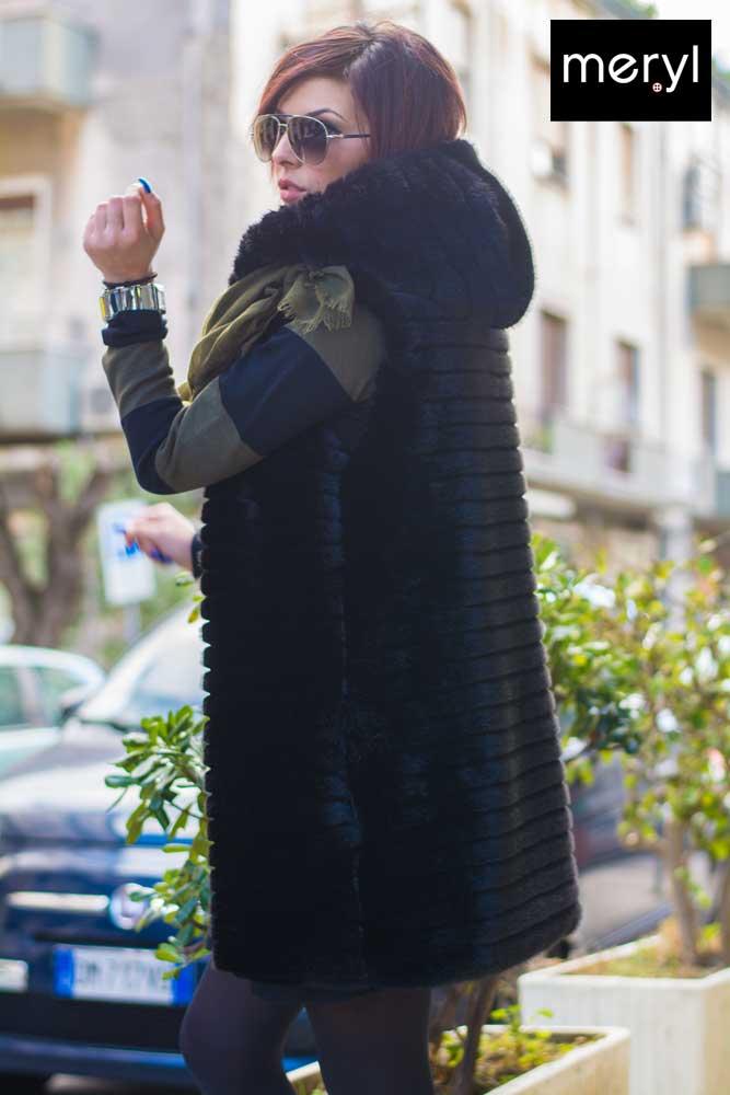 detailed look 89e20 8d660 Gilet di pelliccia con cappuccio e abito in lana rasata - Meryl