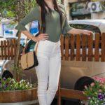 Pantalone e maglia cotone elasticizzato.